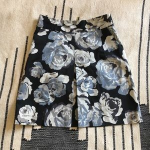 Express front pleat floral skirt size 2